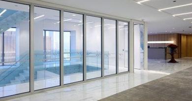 Противопожарные перегородки из стекла: эксплуатационные преимущества